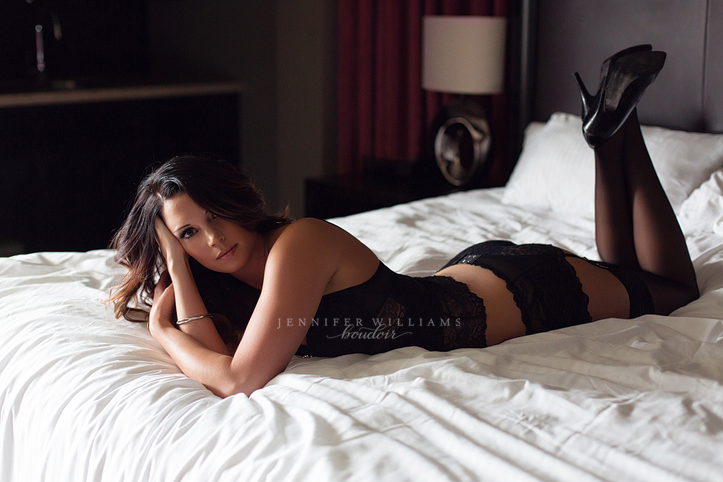 calgary boudoir photography by vancouver photographer jennifer williams 0003