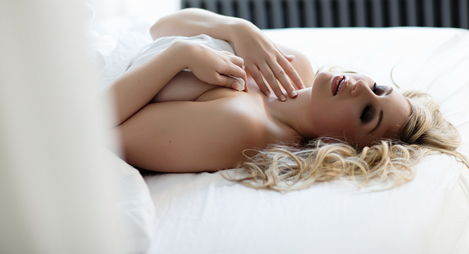 boudoir-photography-by-vancouver-photographer-jennifer-williams-00011