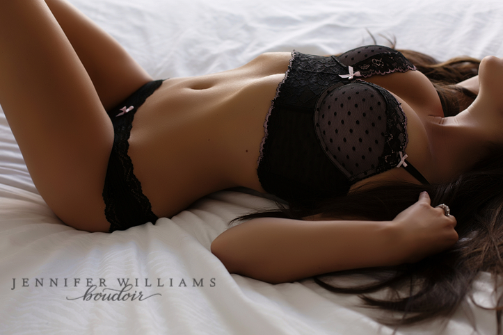 boudoir photography by vancouver boudoir photographer jennifer williams FB 017