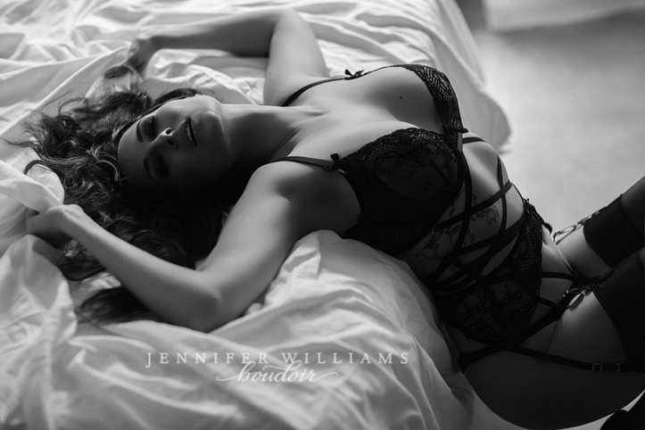 0011 boudoir-photography-by-vancouver-boudoir-photographer-jennifer-williams-0091-723x482