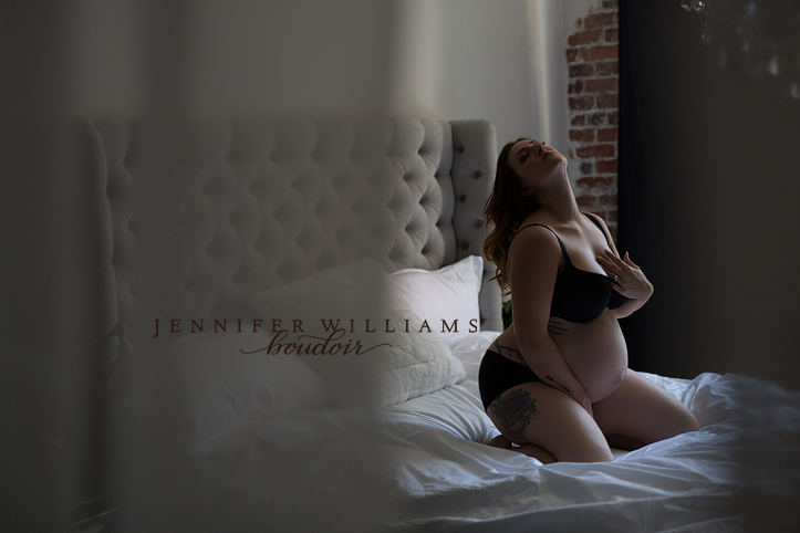 Jennifer Williams maternity boudoir 014