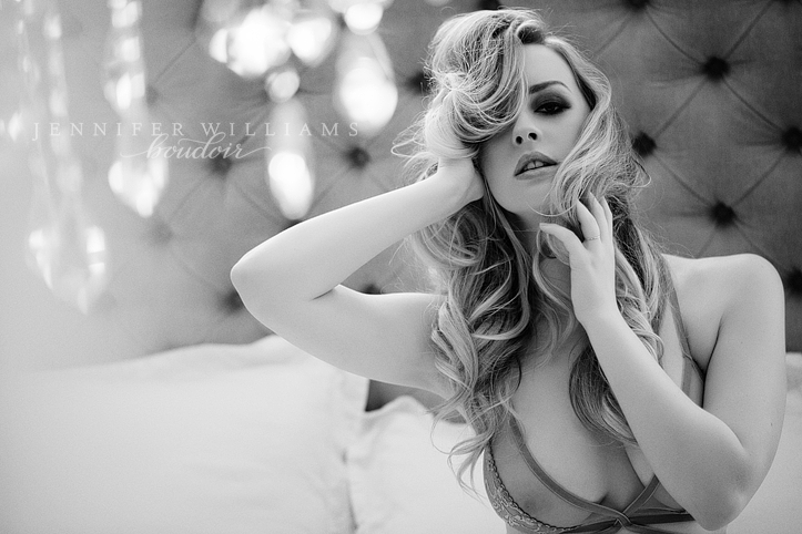 boudoir-photography-by-vancouver-photographer-jennifer-williams-001