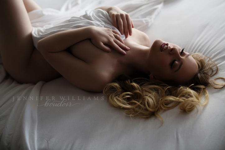 vancouver-boudoir-photographer-jennifer-williams-006
