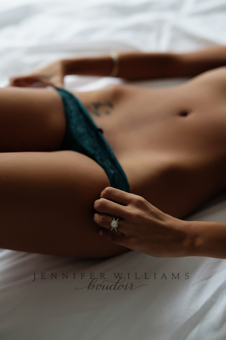 Vancouver Boudoir Photograper Jennifer Williams 001