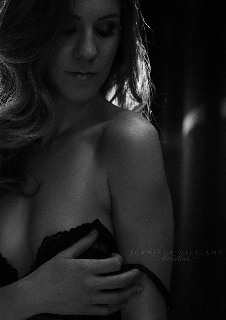 http://jenniferwilliams.com/wp-content/uploads/2018/10/boudoir-photography-vancouver-photographer-jennifer-williams-008.png